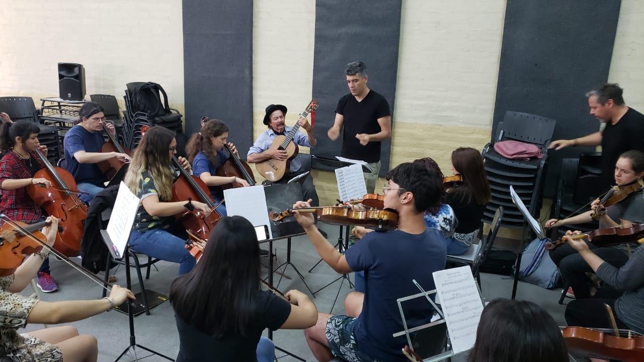Hunechul junto a Estudio Orquestal